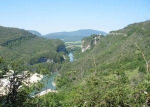 Défilé de Pierre-Châtel, un des 5 sites naturels de Rhône-Alpes, classés en 2013  http://www.tourisme-belley-bas-bugey.fr/francebelley/DT1380958122/page/Le-d%C3%A9fil%C3%A9-de-Pierre-Ch%C3%A2tel-site-naturel-class%C3%A9.html