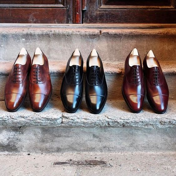 A strong lineup at Skoaktiebolaget. Mr. Collette from John Lobb will visit us during the 22-25 of February for the first ever by request fair in Stockholm. Book your slot now by writing to sales@skoaktiebolaget.se #skoaktiebolaget #johnlobb #byrequestfair #madetoordershoes #classicoxfords #mensshoes