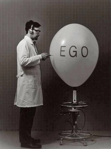 I hate people with huge egos who are way too full of their own self-importance.