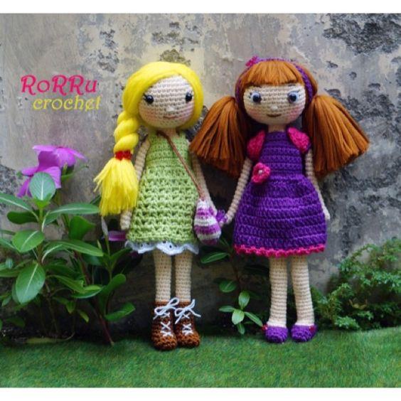 Good morning..... It's friday, it means weekend is here! Let's hang out with friends....^^ #amigurumi #amigurumidoll #crochetdoll #crochet #doll #handmade #craft #crochetaddict #crochetagram #instacrochet #girls #friendship #friend #toys #rajut #rajutan #boneka #bonekarajut #cute #smile