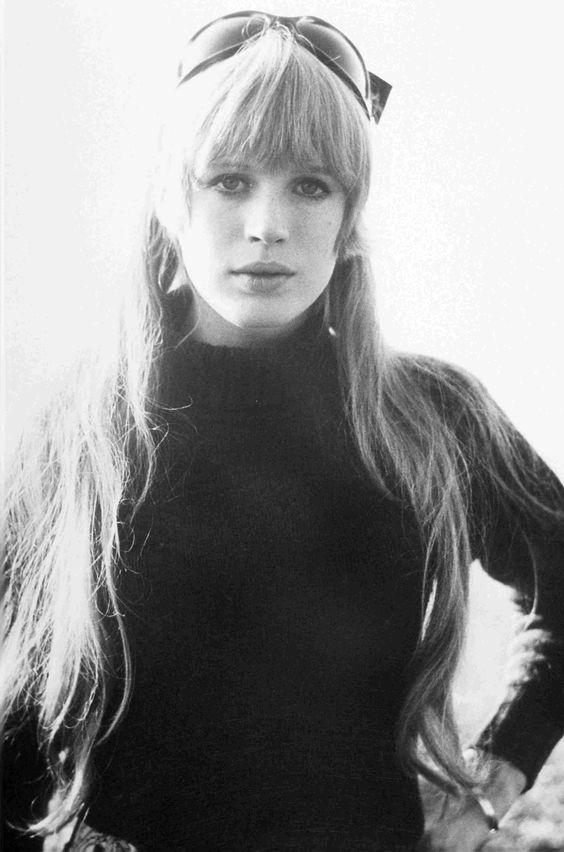 MARIANNE FAITHFULL– Icono del 'LONDON LOOK' de los 60's.
