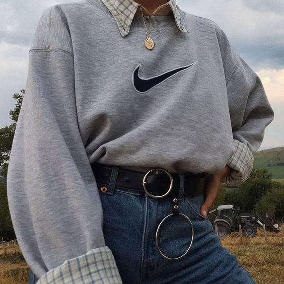 Pɪɴᴛᴇʀᴇsᴛ ~ ᴇᴍᴍᴀ_ᴡᴇᴇᴋʟʏ  ☆ f4f? Xx #grungegalss 90s Nike jumper hoop silver belt aesthetic retro outfits
