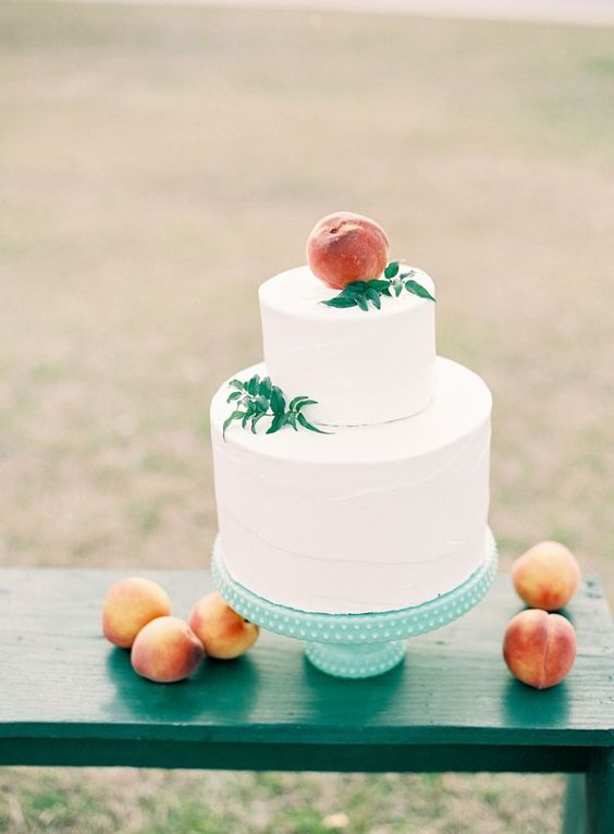A Lovely Thyme - Simple cake with peaches