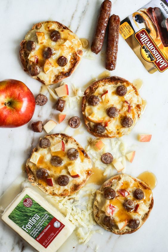 Mini pizzas, Breakfast sausages and Sausages on Pinterest