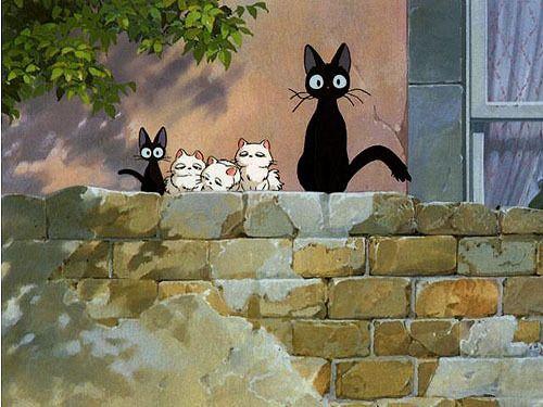 """Jiji petit chat noir de """"Kiki la petite sorcière"""" livre japonais pour enfants écrit en 1985 par Eiko Kadono, illustré par Akiko Hayashi."""