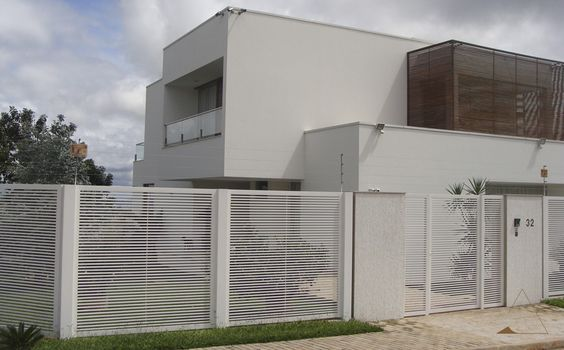 CASA-MAG-Arquiteto-Adalto-Morais-Santos-Casa-moderna-platibanda-brise