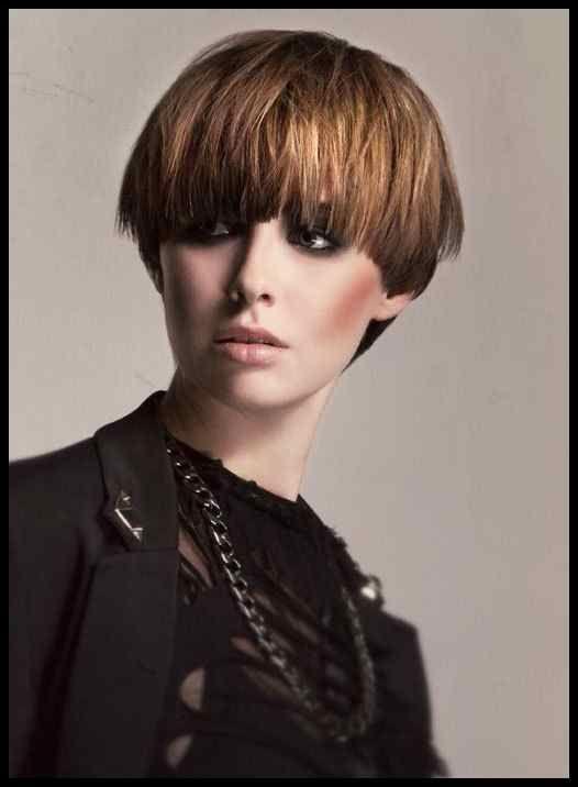 Kurze Frisuren Bubikopf Bilder Madame De Frisuren Tutorials Stylish Hair Short Hair Styles Edgy Long Hair