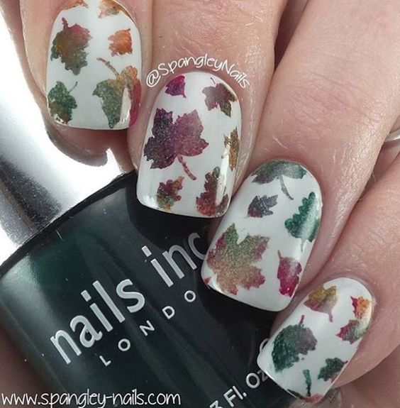 Gorgeous gradient fall mani by @spangleynails using our Autumn Nail Stencils found at snailvinyls.com!