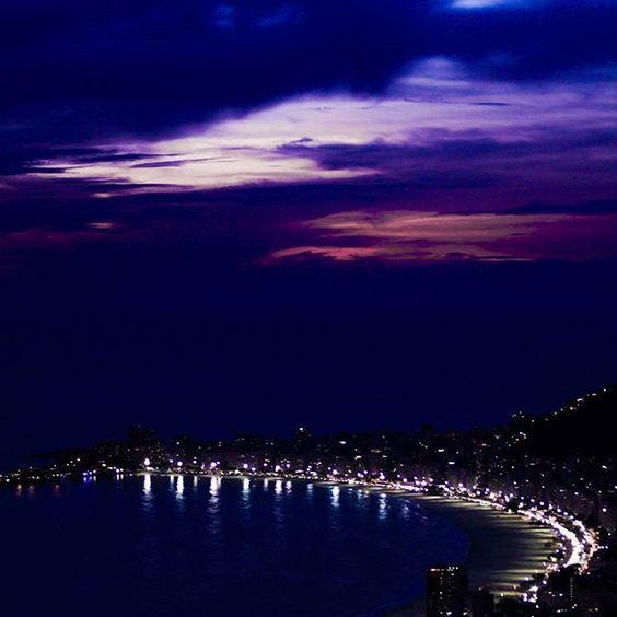 """""""O Rio de Janeiro continua lindo..."""" Valeu #riodejaneiro queremos mais trabalhos assim!! Foto: @leonardofsantos  Sigam @photometria.producao  #trabalho  #job #rj #paodeacucar #sugarloaf #evento #photo #photooftheday #picoftheday #brazil #brasil #br #photometria #arte #art #pordosol #sunset #beach #praia #foto"""