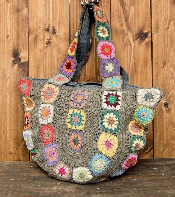 お花刺繍のショルダーバッグ【丸型】グレーの写真1