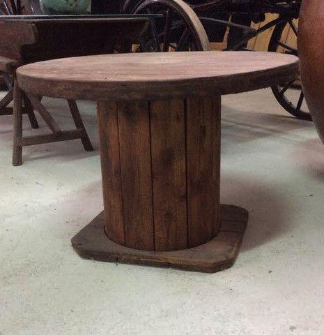 Mesa reciclada con bobina antigua – Anticuable
