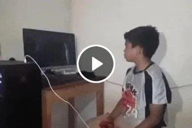 Depois dessa esse garoto nunca mais vai querer saber de vídeo game