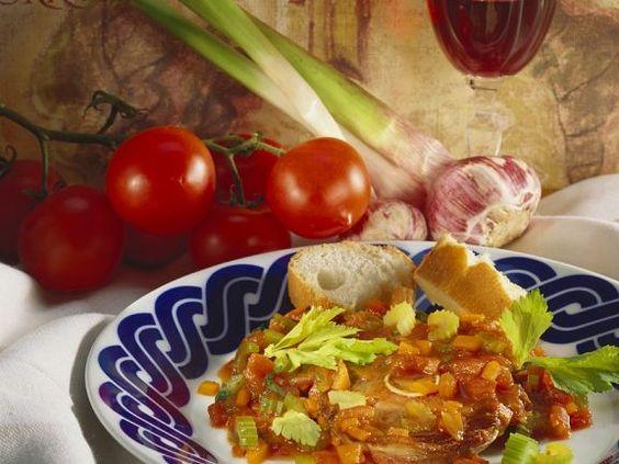 Lamm-Ossobuco ist ein Rezept mit frischen Zutaten aus der Kategorie Lamm. Probieren Sie dieses und weitere Rezepte von EAT SMARTER!