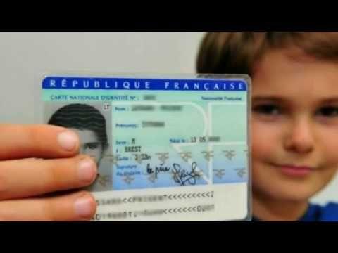 La Puce Cachee De La Carte D Identite Francaise Youtube Carte