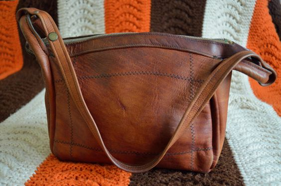70's Leather Handbag by ShopMohican on Etsy