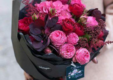 بوكيه ورد حب رومانسي جميل بالصور عالم الصور Valentine Flower Arrangements Valentine S Day Flower Arrangements Valentines Flowers