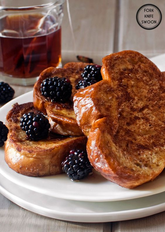 Vanilla Honey French Toast      8 slices challah bread (or brioche or thick bread)  2 tbsp unsalted butter  3 eggs  3/4 cup milk  1/4 cup heavy whipping cream  1 tbsp pure vanilla extract  1 tbsp honey  1 tsp ground cinnamon