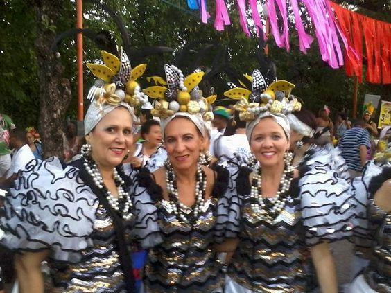 ACONTECE: Ensaios dos blocos líricos no Pátio de São Pedro