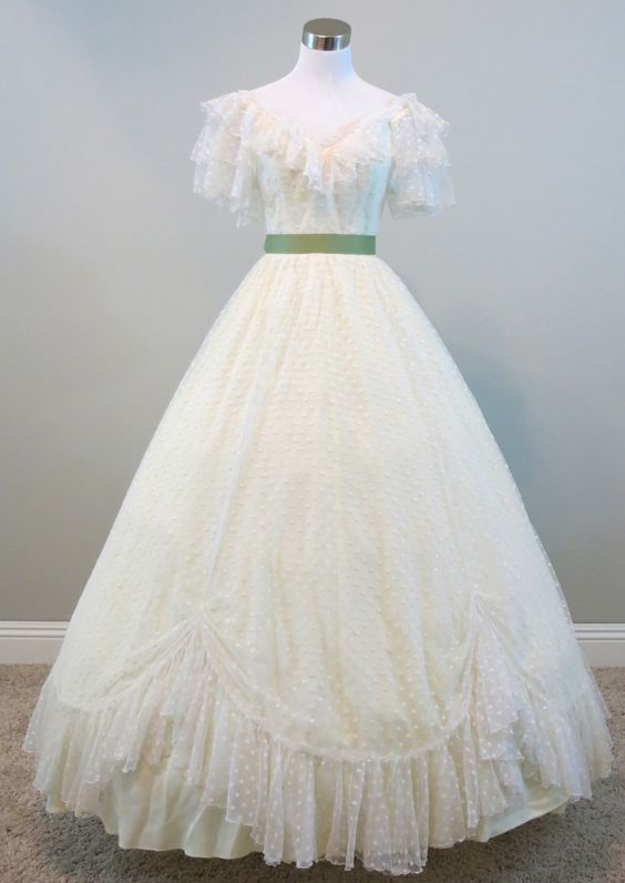 Ivory dotted lace gown waist 24quot civil war ball for Civil war style wedding dresses