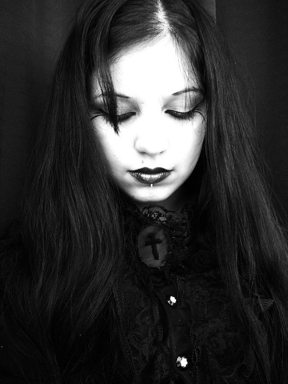 Gothic Lady by Dolores de Ville