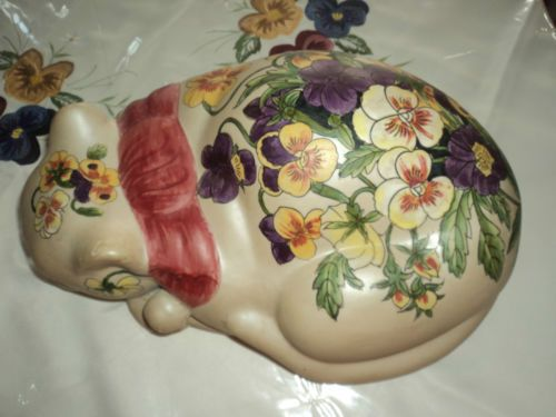 Beautiful Vintage Sleeping Cat Hand Painted with Violets Signed ..!