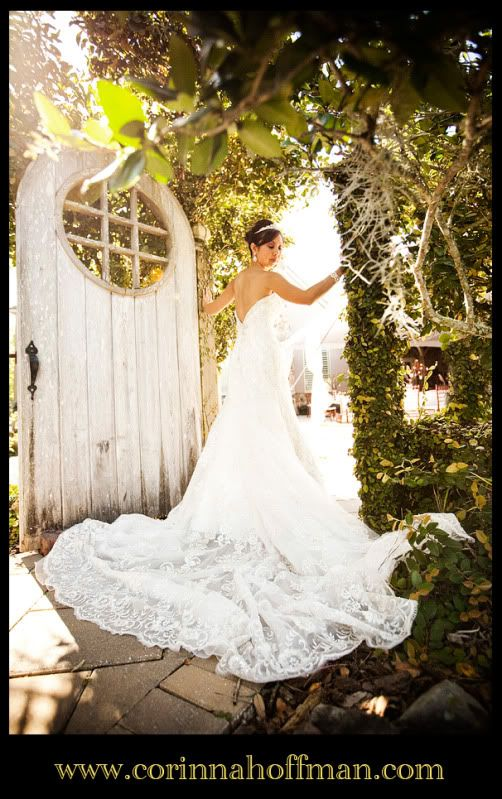 Lace wedding dress palm valley gardens ponte verda for Wedding dresses palm beach