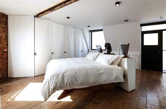Wunderschöne Wohnung mit unkonventionellen Innenarchitektur renoviert - www.homeworlddesign.com (4)