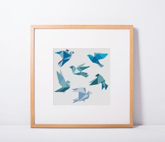 Point de croix bleu géométrique motif oiseaux téléchargeable au format PDF, oiseaux, animaux grille de point de croix, broderie couture par HELENEWORKSHOP sur Etsy https://www.etsy.com/fr/listing/464247905/point-de-croix-bleu-geometrique-motif