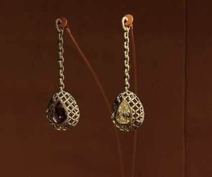 #jewelsbyjar #jarparis #joelarthurrosenthal #overmydeadrubiesphoto by Lev Radin  via http://fashionpluslifestyle.wordpress.com/tag/the-ronald-and-jo-carole-lauder-foundation/