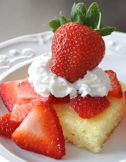 strawberry lemonade shortcake Ingredients:  *1 can Lemon Creme pie filling  *1 box Angel Food Cake mix   *Fresh strawberries  *Fat-free whipped cream Preheat oven to 350 degrees. Mix cake mix and pie filling together until well blended. Poor into a greased 9x13 pan. Bake for 20 minutes. Allow to cool completely. Cut cake into 12 squares. Top each piece with fresh strawberries!
