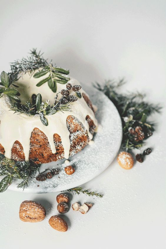 Cakes, Christmas and Bundt cakes on Pinterest