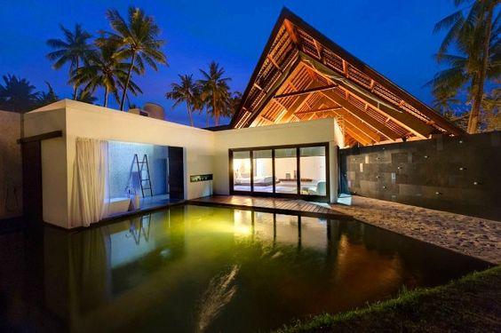 Villa Sapi: un ritratto tropicale fronte oceano in Indonesia.  via @portedilo