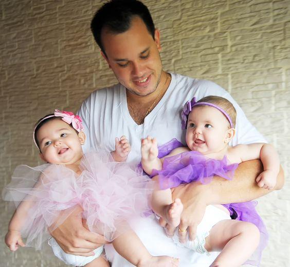 Papai e suas filhotas!!