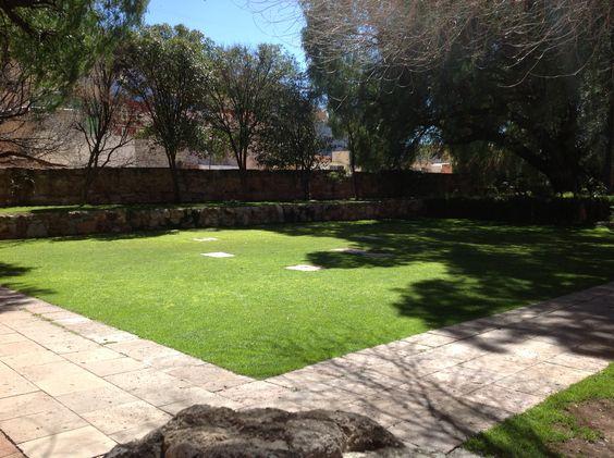 Uno de los jardines del Museo Rafael Coronel. Ciudad de Zacatecas, México.