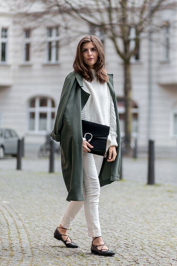 NUDIE JEANS AND OLIVE TRENCH Simple et Chic waysify