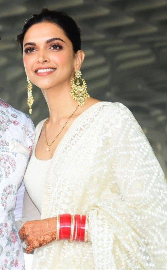 Deepika Padukone Wedding Jewellery Mangalsutra Mangalsutra Bollywood Usefulideas Mangalsutra Designs Deepika Padukone Style Mangalsutra
