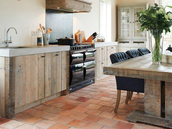 Landelijke keuken. houten keuken met aga fornuis. restylexl ...