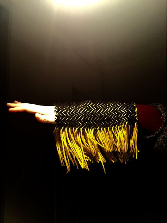 black yellow weaving!  amazing picture light!!!! by pom-pom.me