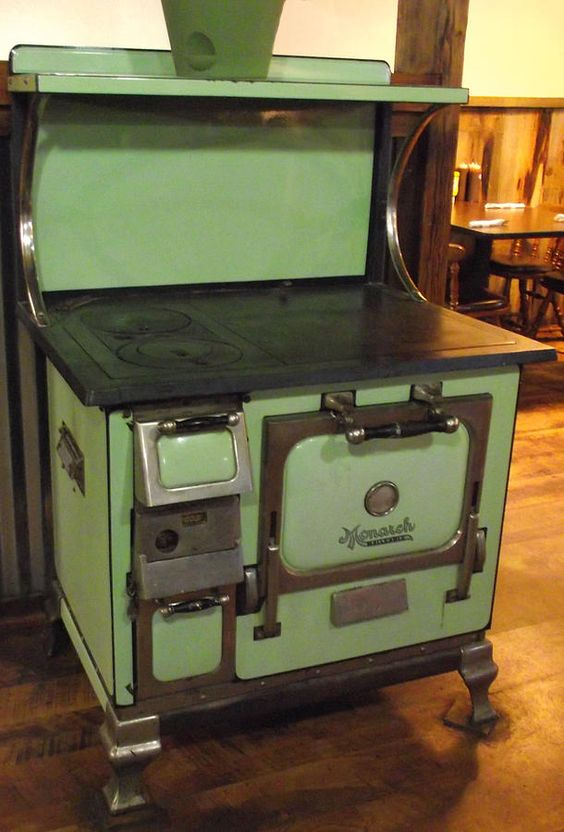 Old Fashioned Stove Top Bun Warmer