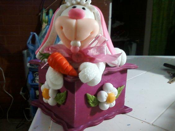 conejo en porcelana fria