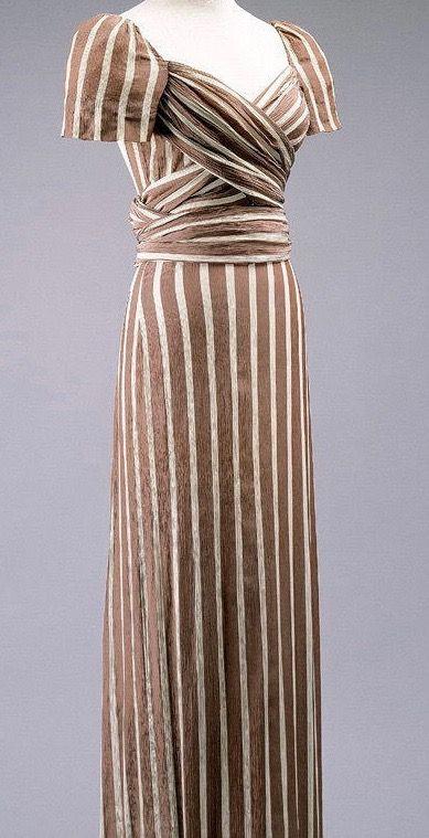 Pin Von Marlena Auf Mode Vintage Kleider Feminin Und 30er Jahre