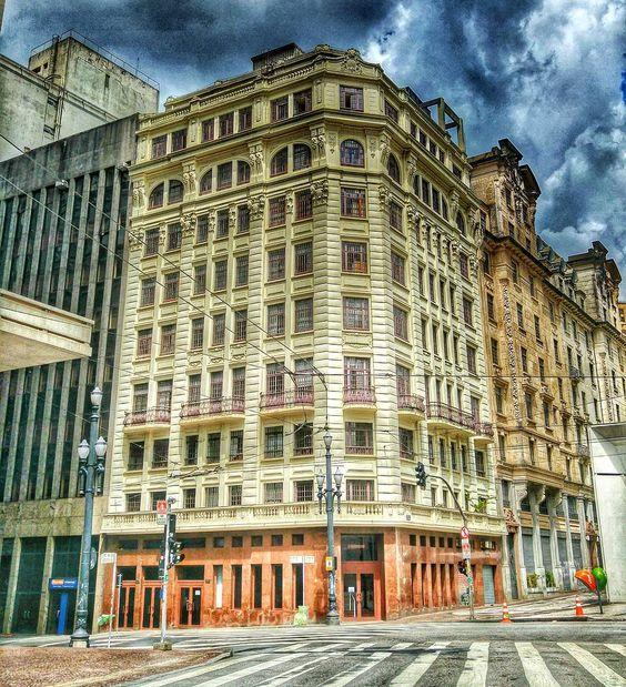 On instagram by andando_e_registrando #landscape #contratahotel (o) http://ift.tt/1O39Szz Saída fotográfica pelo Centro de São Paulo.... Bom dia Brasseellll.... #goodmorning #bomdia #sp #centro #spdagaroa #sp4you #sampa #saopaulo_originals #saopaulocity #saopaulo #arquitetura #architecture #building #amazing #beautiful #cool  #sky #like4like #tagsforlikes #bestoftheday #photooftheday #picoftheday #streetphotography #streetstyle #street #city #me #trip #clouds