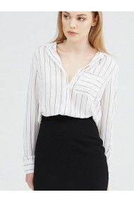 UNIQUE 21 LEXIE WHITE AND BLACK STRIPE SHIRT IN A SOFT TEXTURED CREPE FABRIC WITH BUTTON DOWN FRONT FASTENING. LOOKS GREAT WITH A BLACK PENCIL SKIRT OR JEANS.