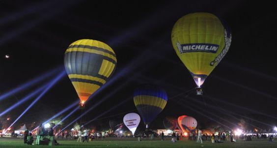 Malasia celebra Festival de globos aerostáticos. Visite nuestra página y sea parte de nuestra conversación: http://www.namnewsnetwork.org/v3/spanish/ #nnn #bernama #malaysia #malasia #china #eyecandy, #CNY #turismo #hastaelfindelmundo #penang #globos #culture #fun #kl #balloon #hot #air #aire #vacaciones #diversion #selfie #photo #foto #turismo