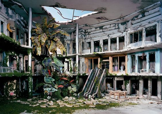 Mall micro apocalyptic scenes created by photographer Lori Nix  http://www.dazeddigital.com/artsandculture/article/21008/1/welcome-to-the-dolls-house-for-fatalists