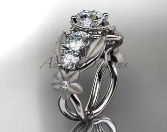 14kt white gold diamond floral wedding ring por anjaysdesigns