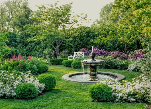 Garden Design Spring 2018 Kevin Lee Jacobs Front Yard Garden Design Garden Design Magazine Rose Garden Design