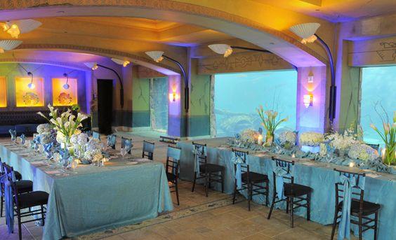 Fathoms underwater restuarant. Reception area at Atlantis Bahamas