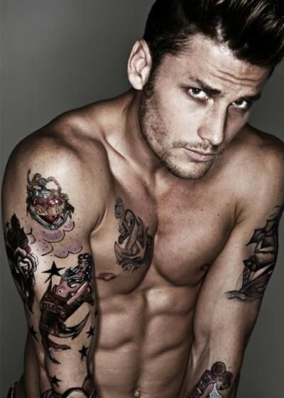 what is better than a hot man with ink? Not a whole lot :) yummmmm