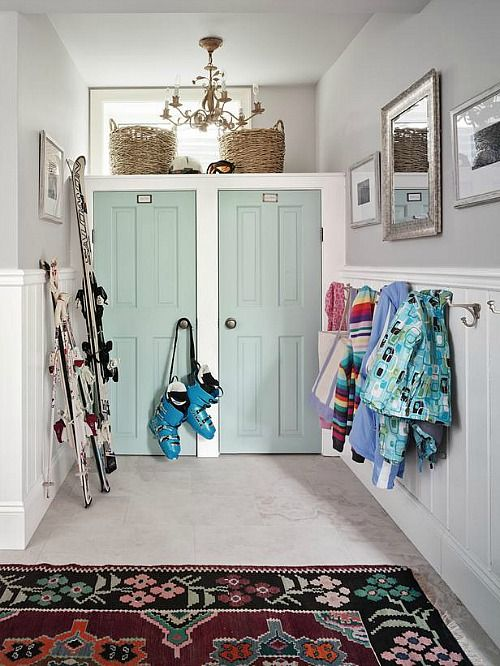 Sarah Richardson's Ontario holiday house mudroom- door color tidewater sherwin williams. #mudroom #vintagestyle #farmhousestyle